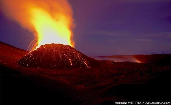 Volcan eruption 2015 1