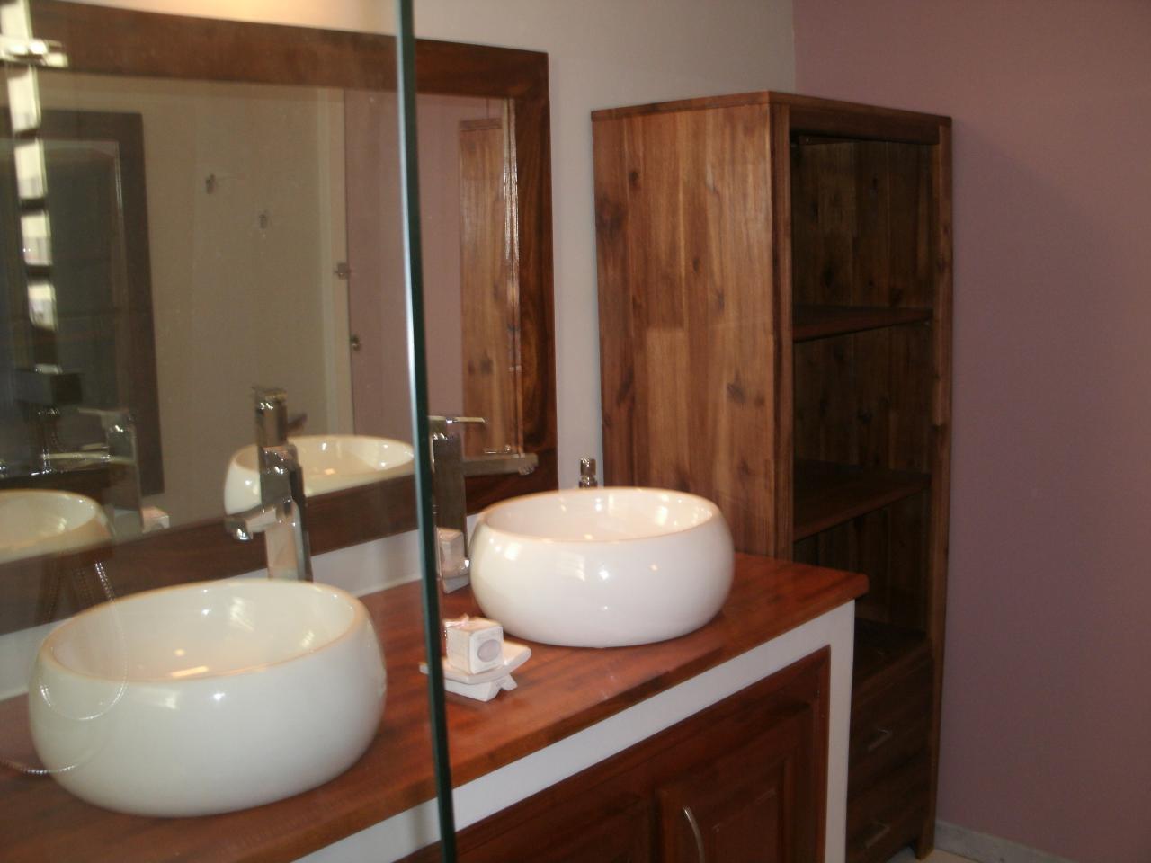 salle de bain rez de chausée de l'hébergement