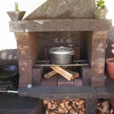 cuisine d'été au feu de bois et barbecue
