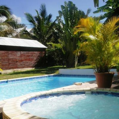 jacuzzi, piscine, abri de jardin