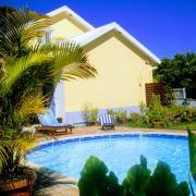 piscine et façade